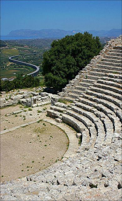#Sicily ... archaeology at #Segesta  www.bebtrapanigranveliero.it
