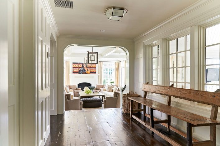 Mix and Chic: Alec and Hilaria Baldwin's bright and modern East Hampton home!