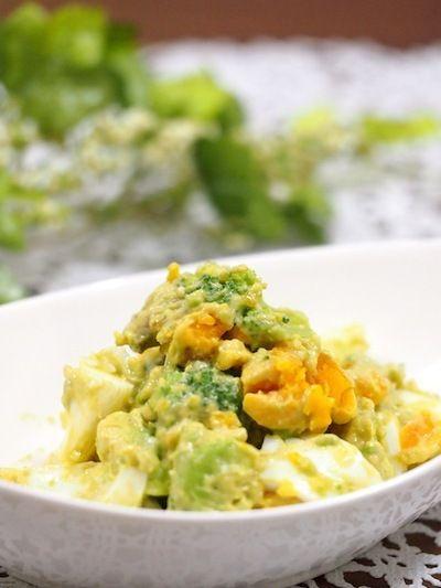半熟卵とブロッコリーのマヨケチャアボカドサラダ by ゆずママさん ...