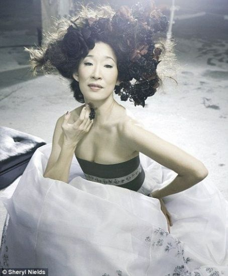 Sandra Oh shines in Grey's Anatomy. Add her to your Endorfyn Likes: www.endorfyn.com/us/home?like=Sandra%20Oh