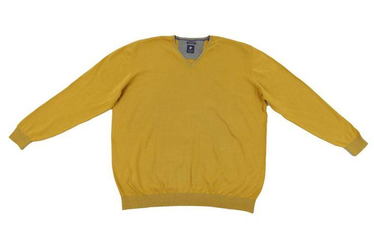 Sweter Pierre Cardin w kolorze żółtym. Sweter na wiosenne dni do koszuli lub polówki. Dostępny w rozmiarach 3XL, 4XL, 5XL, 6XL, 7XL, 8XL. Skład: 100% bawełna.