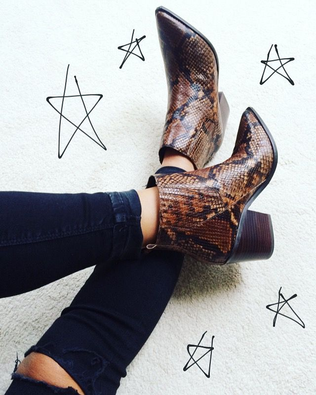 The instant upgrade ankle boot. #aldo #brown #snakeskin #booties Photo: frillsandfeathers.wordpress.com