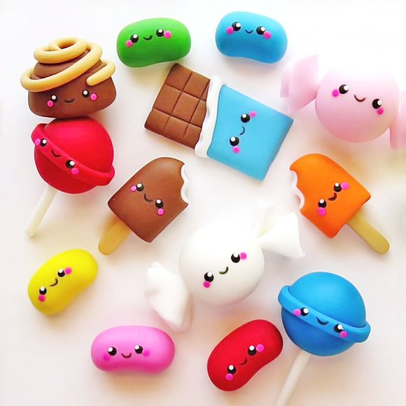Kawaii cupcake toppers out of fondant