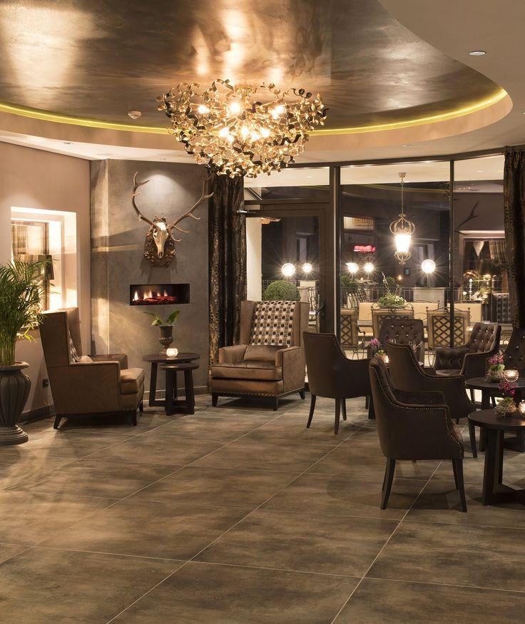 Wunderschöne Deckenleuchte installiert bei unserem Kunde Rössel #Hotelbeleuchtung #Hoteldesign