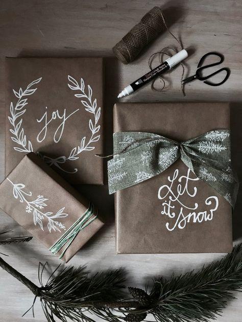 Idée d'emballage de Noël: cadeaux emballés de tissu bricolage #bricolage #ca….