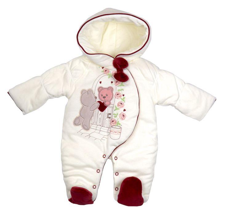 Hochwertige Babymode zum Verlieben! Gefunden auf Dreamdress.at! #baby, #babymode, #babyfashion, #pramsuit, #babyoverall, #cutebaby