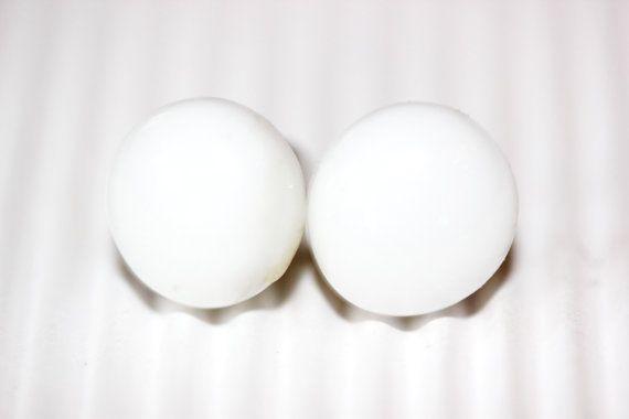 White stud earrings, Snow white, White  Post Earrings, Glass earrings, Fused Glass Stud Earrings, Round post earrings
