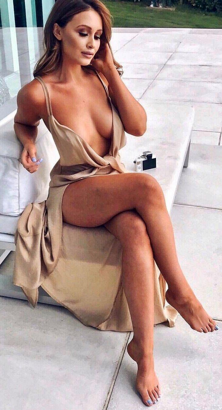 girl hairy public nude