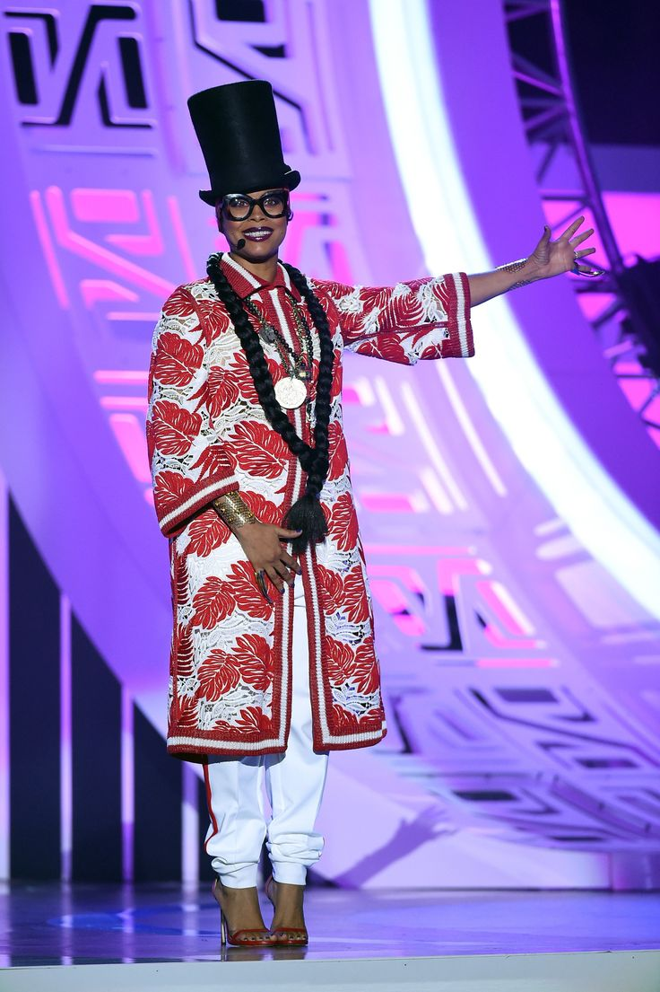 Soul Train Style | As the 2015 host of the Soul Train Music Awards, Erykah Badu was tasked with bringing the funk and it looks like she didn't disappoint. If her outfits are any indicator, we're definitely in for a show this year. From a grand gown to overalls, Badu's style is anything but boring. Check out her looks here.