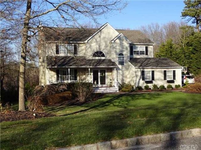 27 best manorville luxury home for sale images on for Homes with inground pools for sale near me