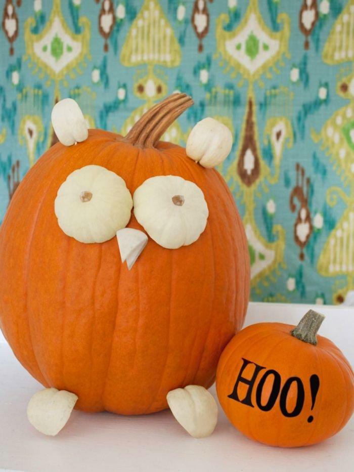 calabaza Halloween, calabaza decorada de búho y otra calabaza pequeña hoo