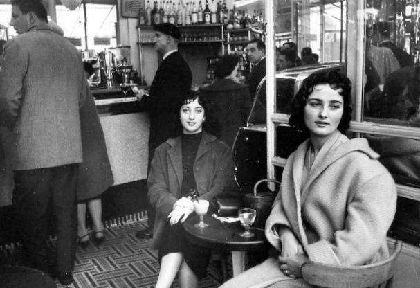 """The Best friends"" Paris 1957 Robert Doisneau"