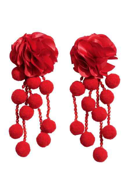 Pom Pom Floral Drop Earrings from H&M R189,99