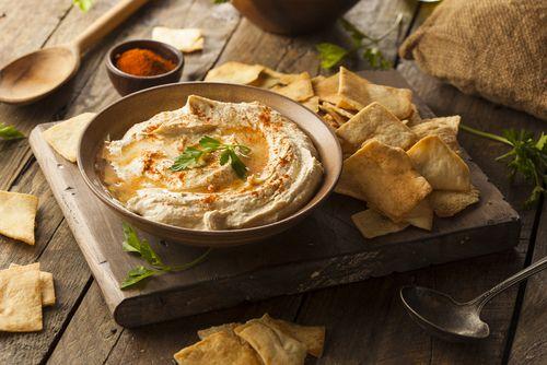 Combateti nu numai senzația de foamecu humus light  în orice moment al zilei insotit unele legume proaspete dar de asemenea puteți combina humus  cu alte feluri de mâncare care sunt ... http://ift.tt/2xuqPGp