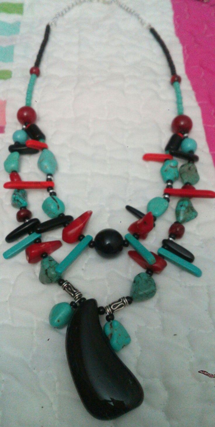 Turquesa, rojo y negro, hermoso!!!