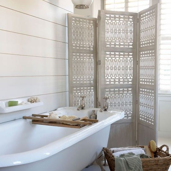 25 best bathroom ideas photo gallery on pinterest crate for Country living bathroom designs