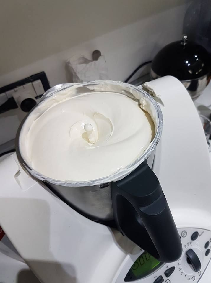 Crema per tiramisù Bimby – dose da 1 kg3.9 (77.14%) 21 votes La bontà del tiramisù sta tutto nella crema! Per farlo bello ricco ecco la ricetta di Mariagrazia R…buon appetito! Stampa 4.3 from 3 reviews Crema per tiramisù Bimby - dose da 1 kg Ingredienti 3 uova 6 cucchiai di zucchero semolato 500 gr …