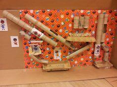 Winter - Maak samen met alle kinderen een kruidnoten fabriek. Leuk om in elkaar te knutselen en leerzaam om later te gebruiken!