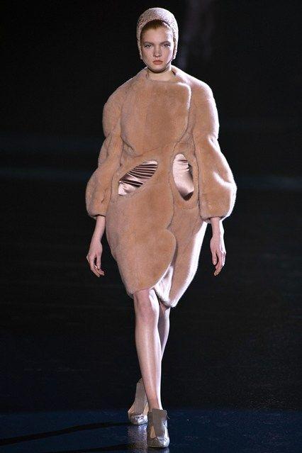 Mugler - www.vogue.co.uk/fashion/autumn-winter-2013/ready-to-wear/mugler/full-length-photos/gallery/944357