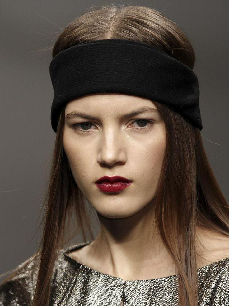 Cheveux lisse et bandeau chic by Byblos, on adore!  Fashion Week Paris Janvier 2014