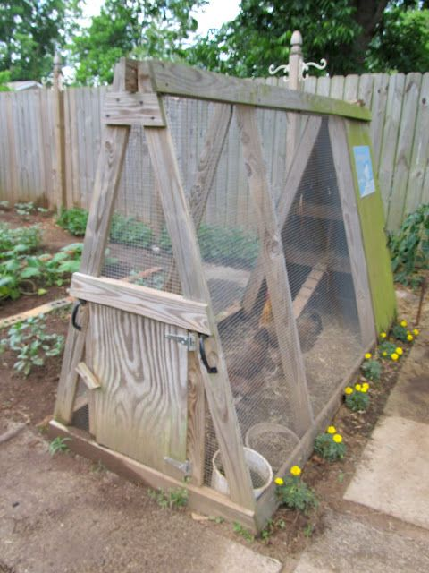 Easy, small coop idea for just a couple chickens.