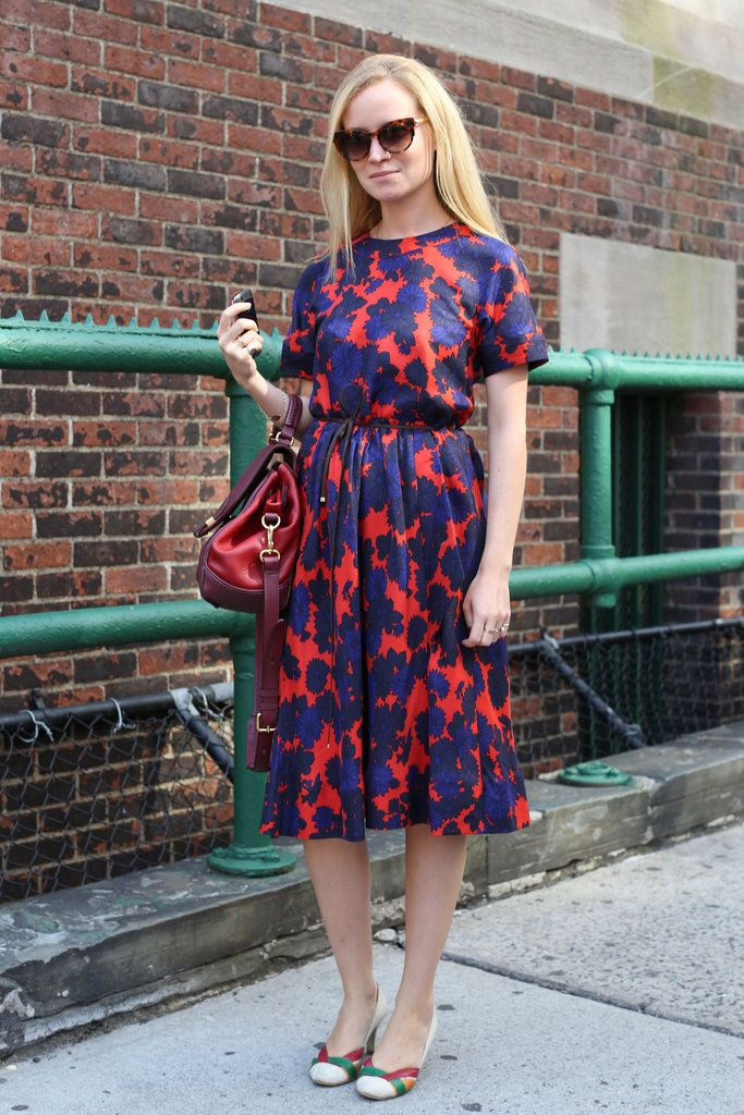 Fashion Week Street StyleFashion Weeks, Prints Dresses, Fashion Street Style, Marc Jacobs, Red And Blue, New York Fashion, Jacobs Fw12, Floral Dresses, Blue Prints