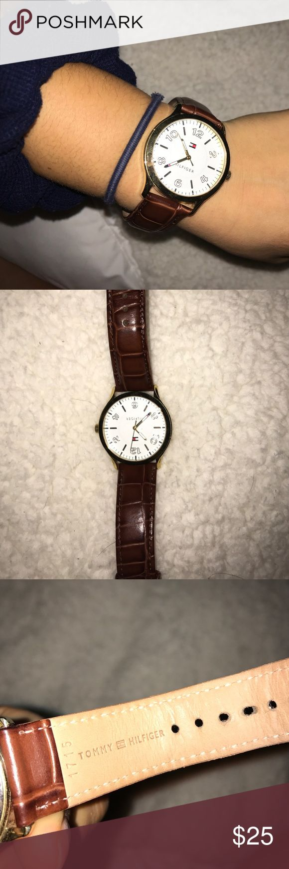 Tommy Hilfiger watch !!!! Beautiful tommy watch w brown leather band and gold detailing! Great to class up any look. 💖make offers 💖 Tommy Hilfiger Accessories Watches