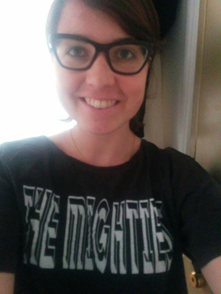 """#WOMENAREMIGHTY """"C'est avec les femmes, émancipées et liées entre elles, que le monde fera de réels pas de géant!"""" Voici une photo de Victoria, membre de l'équipe éditoriale de W4!"""