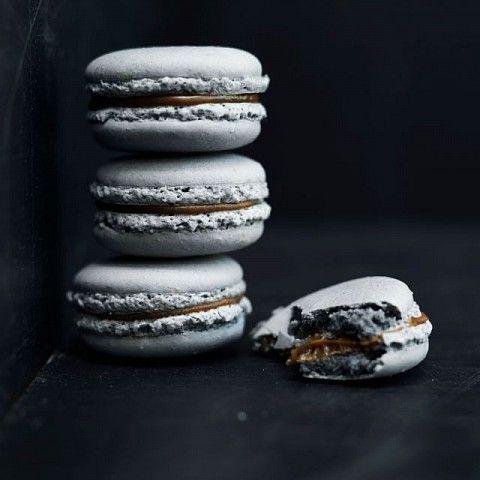 Licorice and Dark Chocolate Macarons Recipe