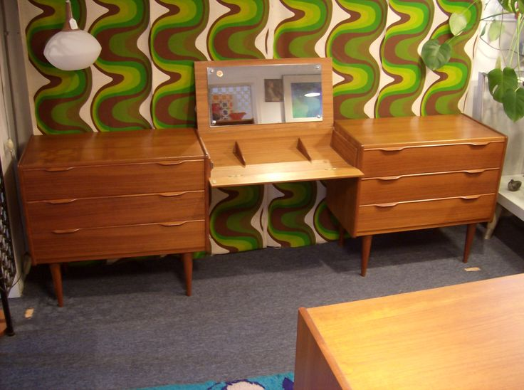 Mid Century Modern Furniture Images   The Fabulous Find   Mid Century  Modern Furniture Showroom In