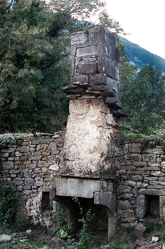 Fireplace at a ruined house in Plaka vilage