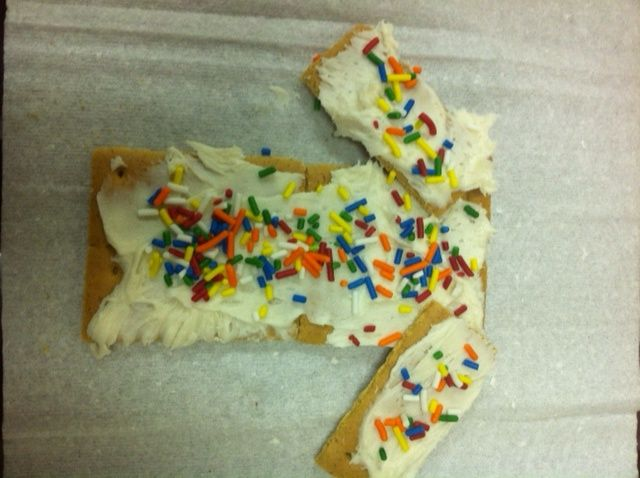 Joseph's Coat!  Graham Crackers, Frosting and Sprinkles!! - Love that! A snack and craft in one! lol