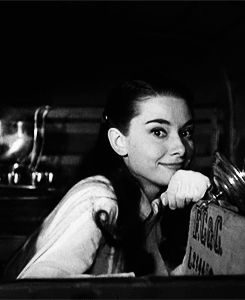 Audrey Hepburn (gif) CLICK TO SEE
