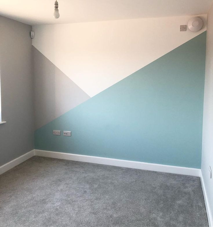 """@littles_lane auf Instagram: """"Spielzimmer-Bemalung fertig"""" – Möbel müssen jetzt eingezogen werden, um sie mit all den Spielsachen zu füllen, die"""
