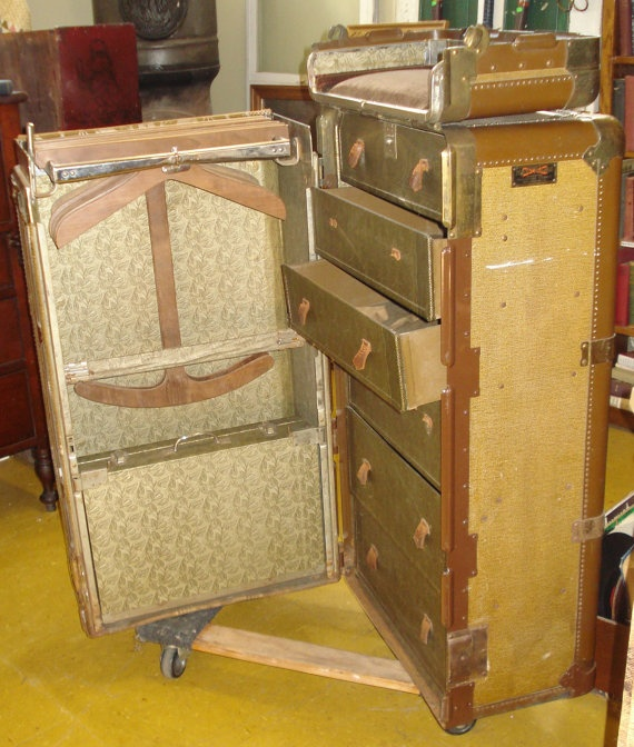 hartmann cushion top wardrobe trunk-gibraltarized 2