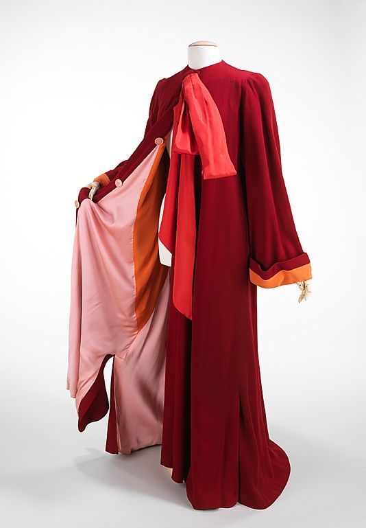 1945 Dressing Gown  Charles James  Accession Number: 2009.300.798