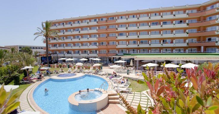El hotel Ferrer Janeiro es un hotel todo incluido en Can Picafort, en la zona norte de Mallorca. Ofrece habitaciones y apartamentos cómodos junto a la playa de Son Bauló. Reserve su alojamiento en Can Picafort al mejor precio garantizado desde su web oficial(http://www.ferrerhotels.com/hotel-janeiro-en-mallorca.htm) #FerrerHotels #HotelSpaFerrerJaneiro