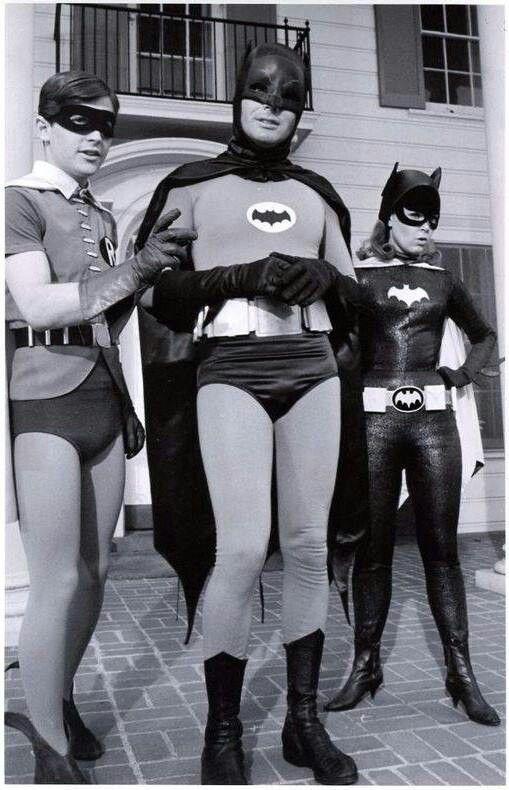 look at robin's mask. the eye-holes are huge! batman looks nice though. batgirl... lame...