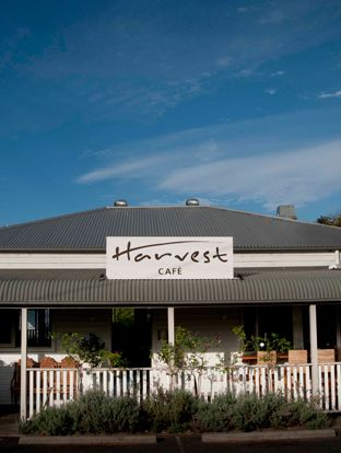 The Harvest Cafe is very popular with the locals. Just a 15 minute drive from town on the back highway at Newrybar, foodies will love the cafe style food with local produce and find plenty of inspiration for picnics and treats in the on-site deli