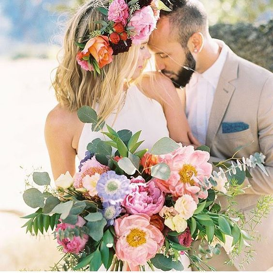 Huge beach wedding Peony and tropical flower bouquet with floral crown, bright and colorful pastel bouquets #bouquets #weddingbouquet