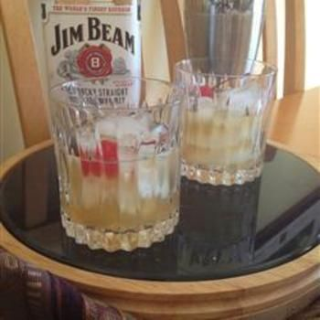 Classic Whiskey SourWhiskey Sour, Ice Cubes, Drinks With Jim Beams, Sour Recipe, Drinks Recipe, Simple Syrup, Maraschino Cherries, Favorite Drinks, Classic Whiskey