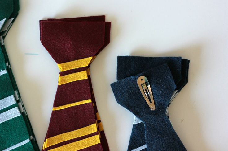 When you attend a Harry Potter party it only makes sense that you would be sorted into a House. What better way to share you house colors than on a Harry Potter Felt Tie?! One of the first items we ordered when my son chose Harry Potter as his Halloween costume was the tie. According...