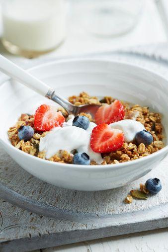Het ontbijt is de belangrijkste maaltijd van de dag. Dat weet iedereen inmiddels.Het zorgt ervoor datjeenergieniveau verhoogt,je geheugen ...