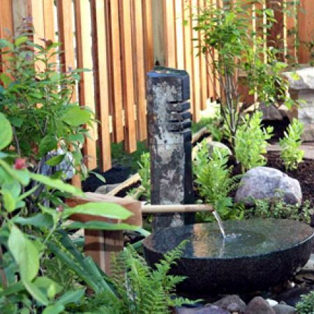 What a zen garden! Would be wonderful to relax here after a hectic day!Wood Fence, Backyards Water Features, Landscapes Ideas, Zen Gardens Backyards, Dreams Backyards, Japanese Gardens, Backyards Trends, Backyards Inspiration, Outdoor Area