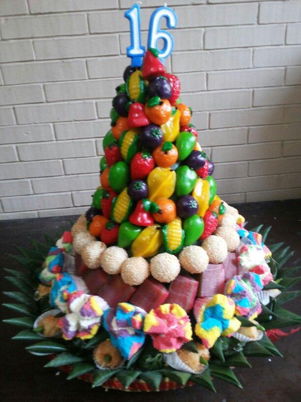 Tumpeng kue jajanan pasar http://rachmakitchencreation.blogspot.com