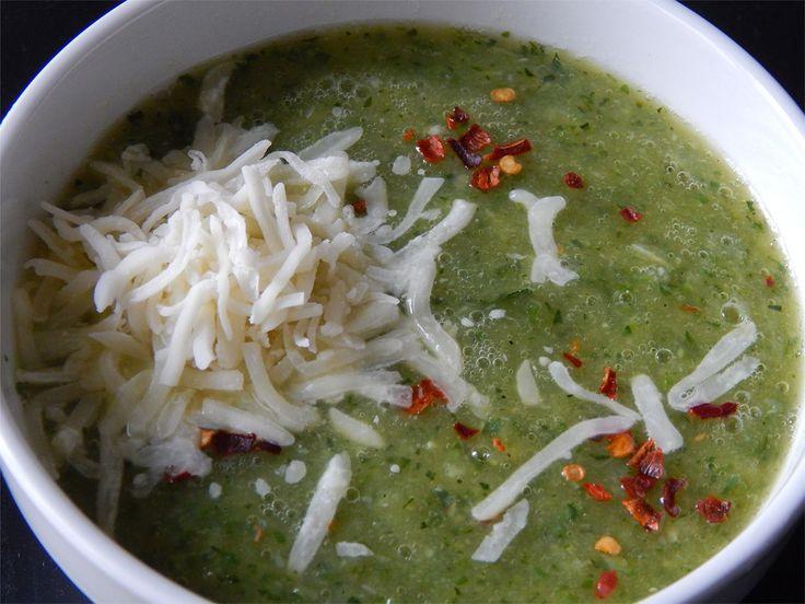 Quick zucchini soup! http://blacksalad.net/