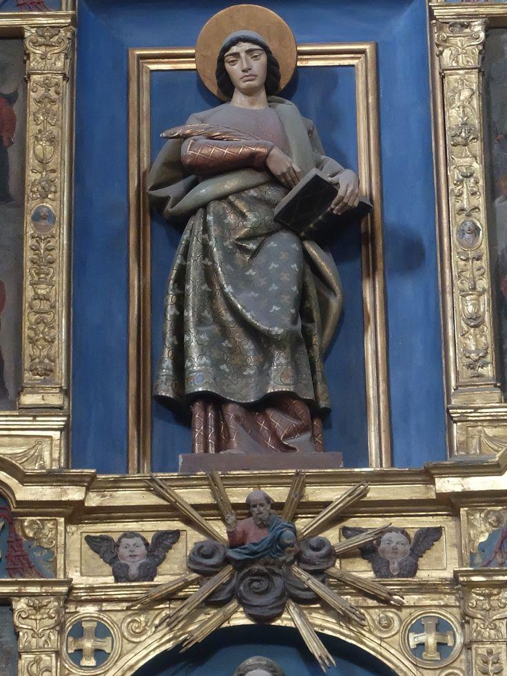 Retablo Mayor. San Juan, imagen actual de Félix Granda que sustituye a Santa Elena , La Cruz y el Cardenal Mendoza comitente del retablo. No hay que olvidar que este es el de la iglesia del Hospital. hoy Museo de Santa Cruz.