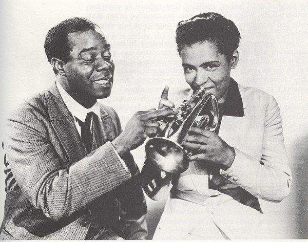 Vintage picture of music legends Louis Armstrong and Billie Holiday. Photo credit: http://images5.fanpop.com/image/photos/30400000/Louis-Armstrong-and-Billie-Holiday-louis-armstrong-30454848-600-473.jpg