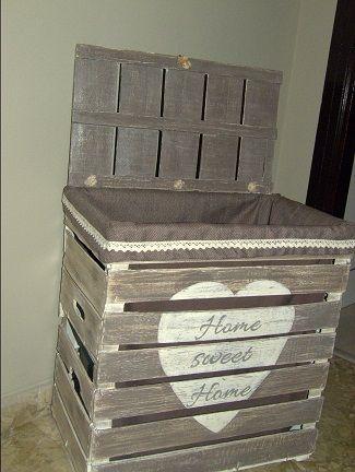 Contenitore Shabby Chic realizzato con cassette di legno