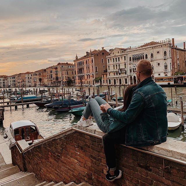 Kilka Lat Temu Przed Pierwsza Wizyta W Wenecji Slyszelismy Ze Jest Zatloczona Zadeptana Smierdzaca I Pare Innych Epitetow Wiemy Ze Instagram Travel Landmarks
